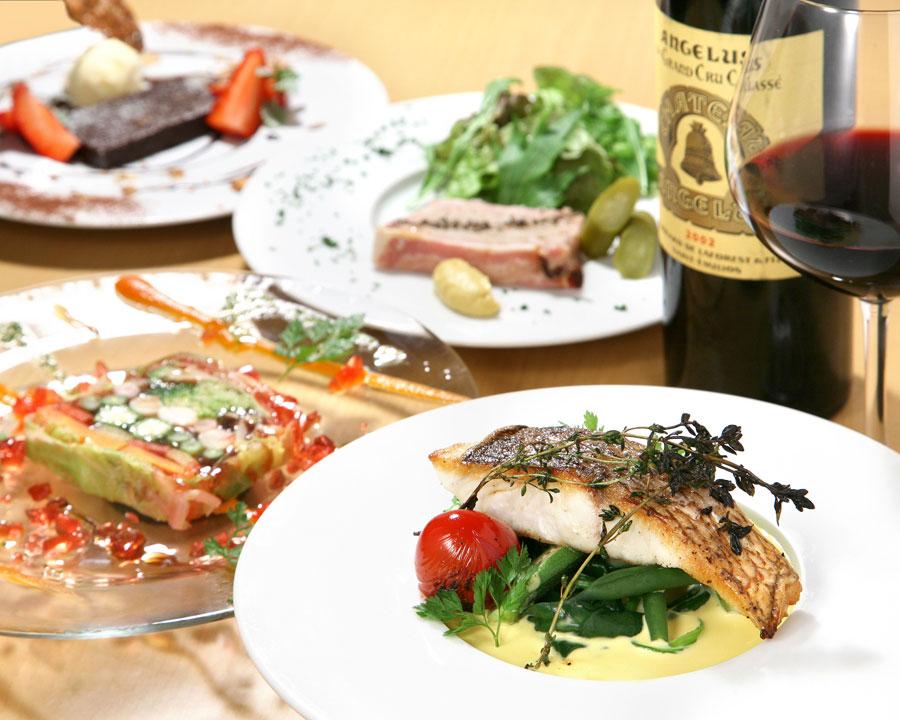 pescado y verduras es la tipica comida francesa